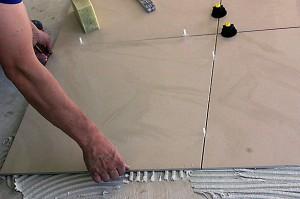 Nivelliersystem mit Drehknöpfen