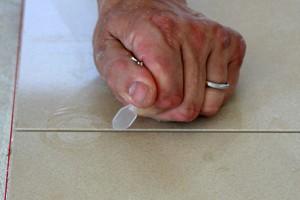 Nivelliersystem mit Drehknöpfen Gewindelasche abbrechen